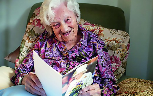 Britain's oldest woman has hip replacement operation