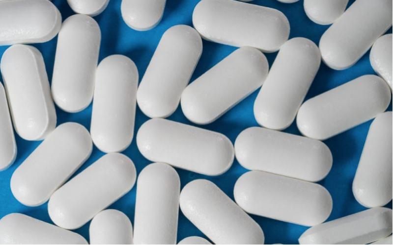 Aspirin alone is a good clot buster after knee surgery