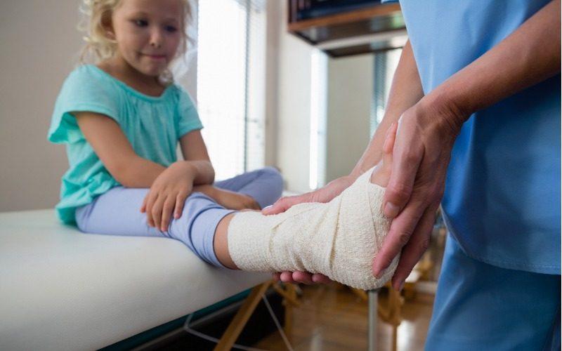 Ibuprofen does not hinder bone fracture healing in children